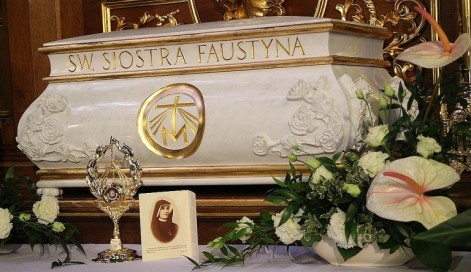 St Faustina First Class Relics on Tour in Archdiocese of New York April 2016